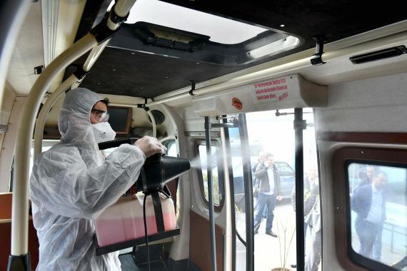 CHP Milletvekili Murat Emir: Kovid-19 nedeniyle hastaneler doldu, evde tedavi başladı