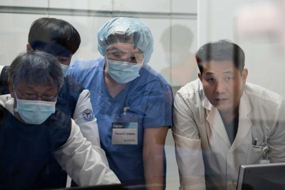 Güney Kore'de vaka sayısı arttı, önlemler geri dönüyor