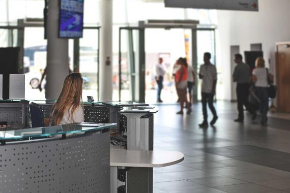 CHP'li Zeybek: Pandemi sürecinde turizm emekçisi yalnız bırakıldı