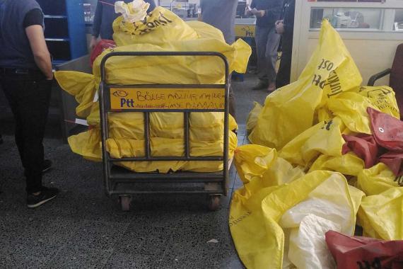 PTT işçisi: Vaka görüldüğünde gönderisi az olan merkezler kapatılıyor