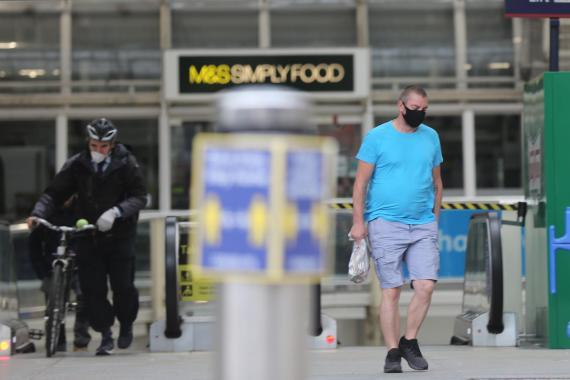 İngiltere'de Kovid-19 ölümleri 40 bini aştı
