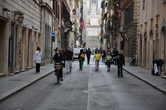 İtalya'da İçişleri Bakanı Lamorgese, gençleri salgın konusunda uyardı