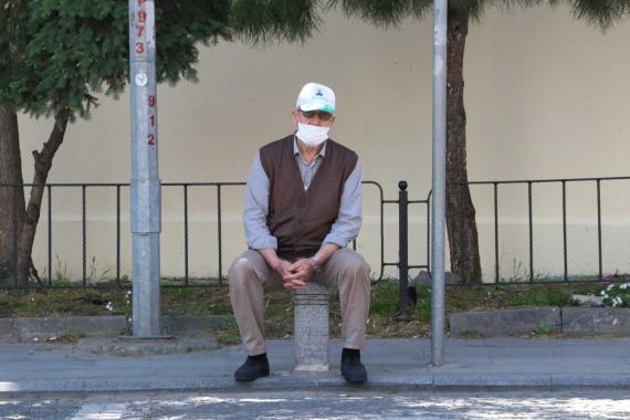 Maraş'ta 65 yaş üstüne pazar ve toplu taşıma kısıtlaması getirildi