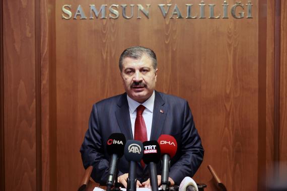 Sağlık Bakanı Fahrettin Koca, vaka artış hızının kontrol altına alındığını iddia etti