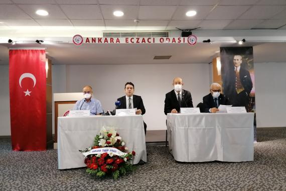 Sağlık kuruluşları: Hükümet yalancı güven hissi uyandırıyor ama pandemi alarm veriyor