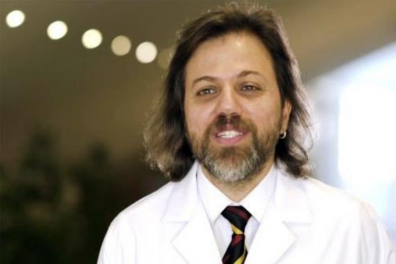 Doç. Dr. Osman Elbek: Salgında çalışanlar patronların merhametine terk edilmemeli