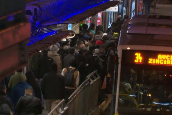 İstanbul'da toplu ulaşıma kısıtlama düzenlemesi yapıldı