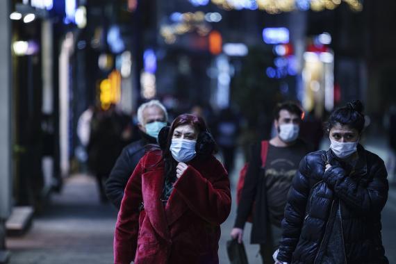 DSÖ: Bir haftada 4 milyon insan koronavirüse yakalandı