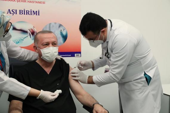 TTB Başkanı Şebnem Korur Fincancı: Aşı miktarı sınırlı, öncelikliler aşılanmalı