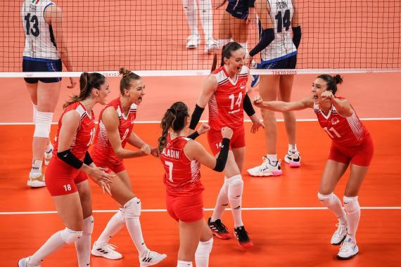 Türkiye Kadın Voleybol Takımı, Tokyo 2020'de İtalya karşısında 3-1 mağlup oldu