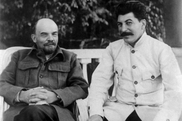 Lenin ve Stalin (sağda) bir arada.