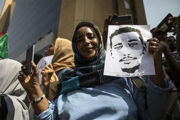 Geçiş hükümetinin kurulduğu Sudan'da eylemler sürüyor