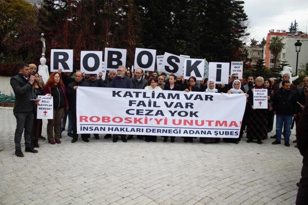 Roboski Katliamı'nda yaşamını yitirenler katliamın 8. yıl dönümünde Adana'da yapılan açıklamayla anılırken