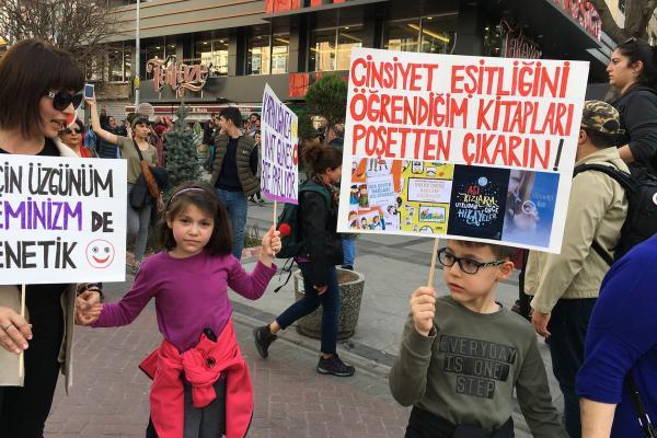 Ankara'da kadınlar talepleri ile alanda