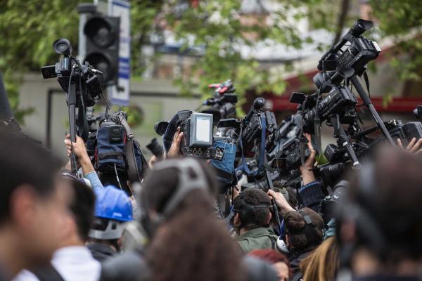 Çekim yapan medya çalışanları