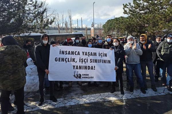 Emek Gençliği, grevdeki Kadıköy Belediyesi işçilerine desteğe geldi