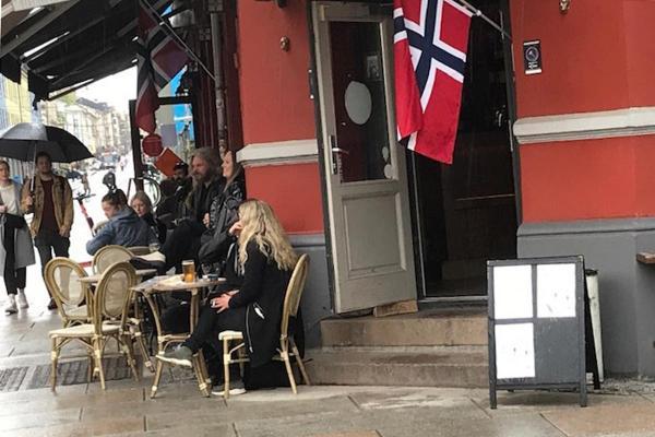 Oslo'da bir barın önü
