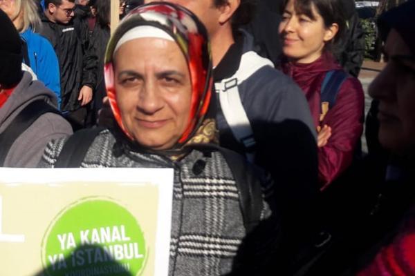 Zehra Dalmaz Kanal karşıtı eylemde
