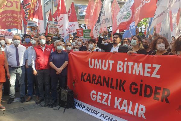 İzmir Emek ve Demokrasi Güçleri Gezi direnişinin 8'inci yıl dönümünde basın açıklaması yaptı.