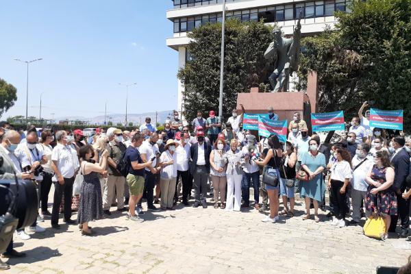 İzmir'de gazetecilerin eylemi