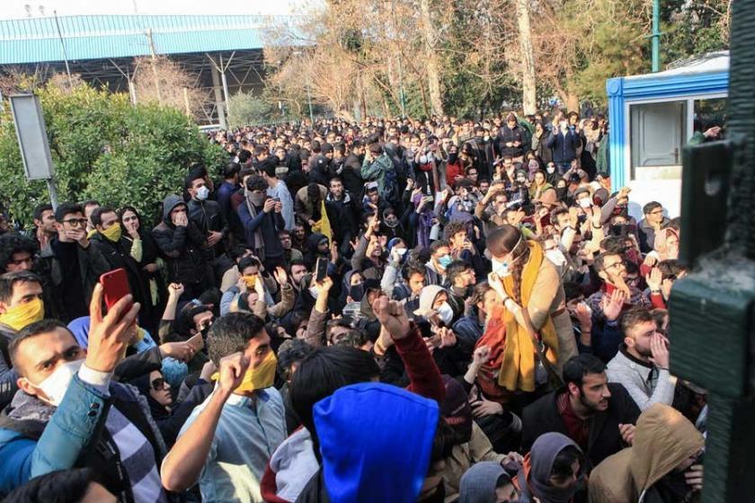 İran'da hükümetten 'bedel ödersiniz' tehdidi