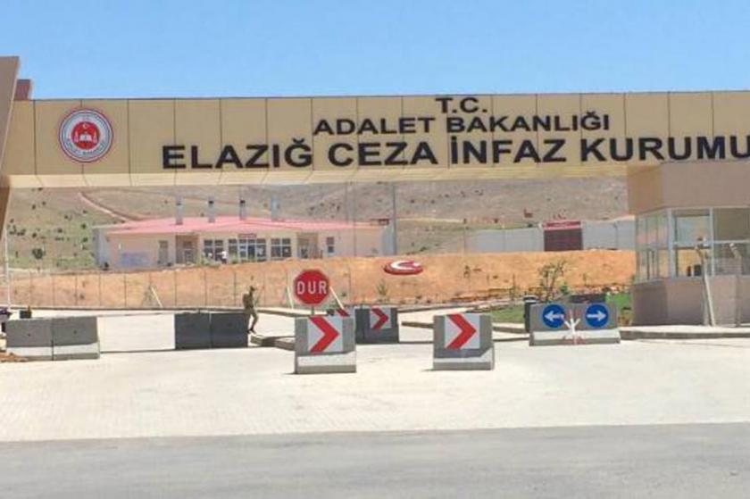 'Elazığ Cezaevinde mahpusların parmakları sıkıştırıldı'