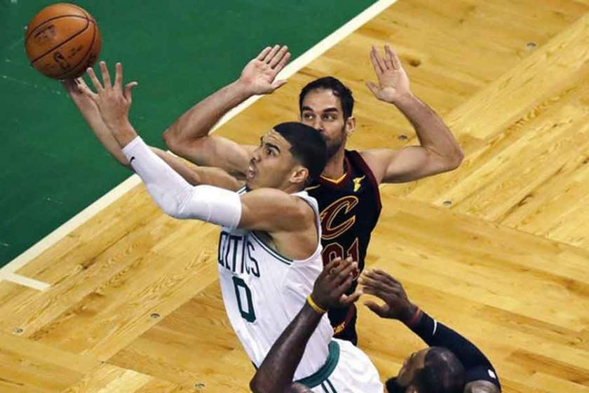 Boston Celtics, Cleveland Cavaliers'a şans tanımadı