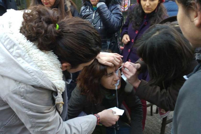 Ankara'da Diyanet'i protesto eden kadınlara biber gazı