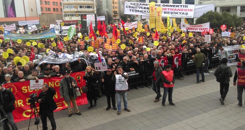 Binler, 'laik eğitim, demokratik Türkiye' dedi