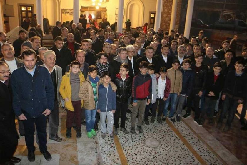 Kınık'ta küçük yaştaki çocuklar camiye götürüldü
