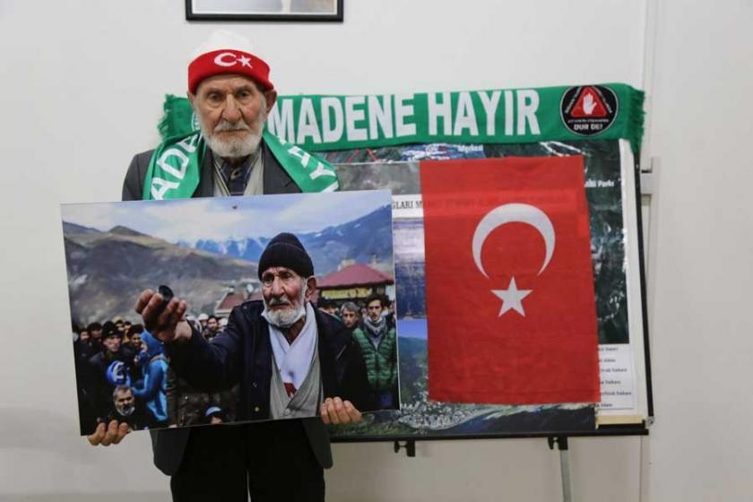 100 yaşındaki Hacı Ali Keklik, Cerattepe için imza topluyor
