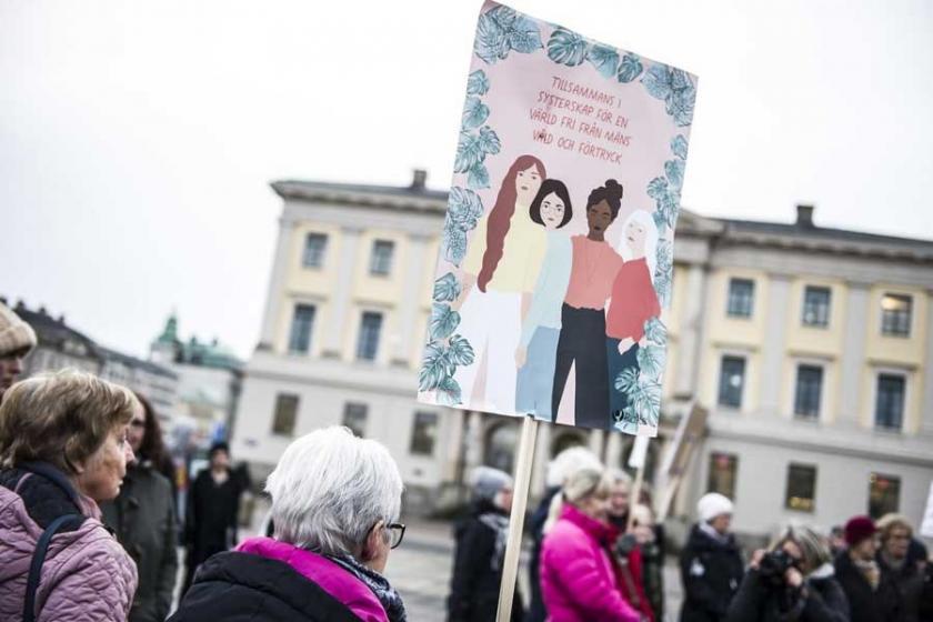 İsveç'te taciz ve şiddete karşı ülke çapında eylem yapıldı