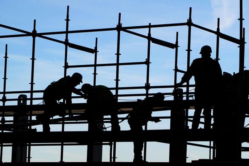 Diyarbakır'da elektrik akımına kapılan inşaat işçisi öldü