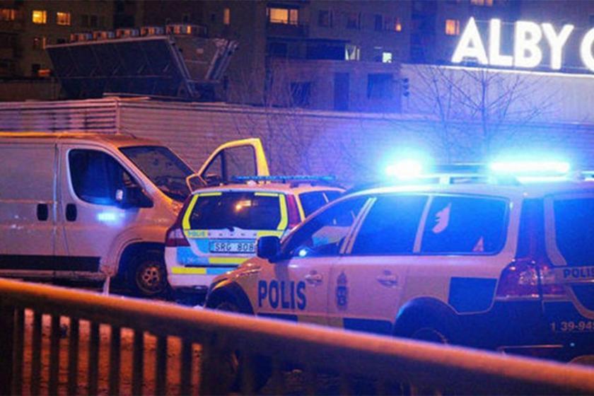 Malmö'de polis karakoluna bombalı saldırı