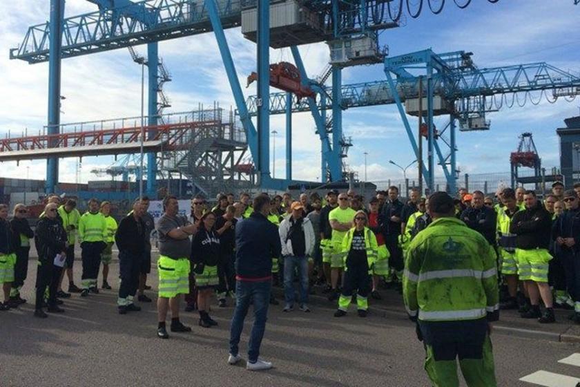 İsveç'te grev hakkına saldırı, hükümet krizine yol açabilir