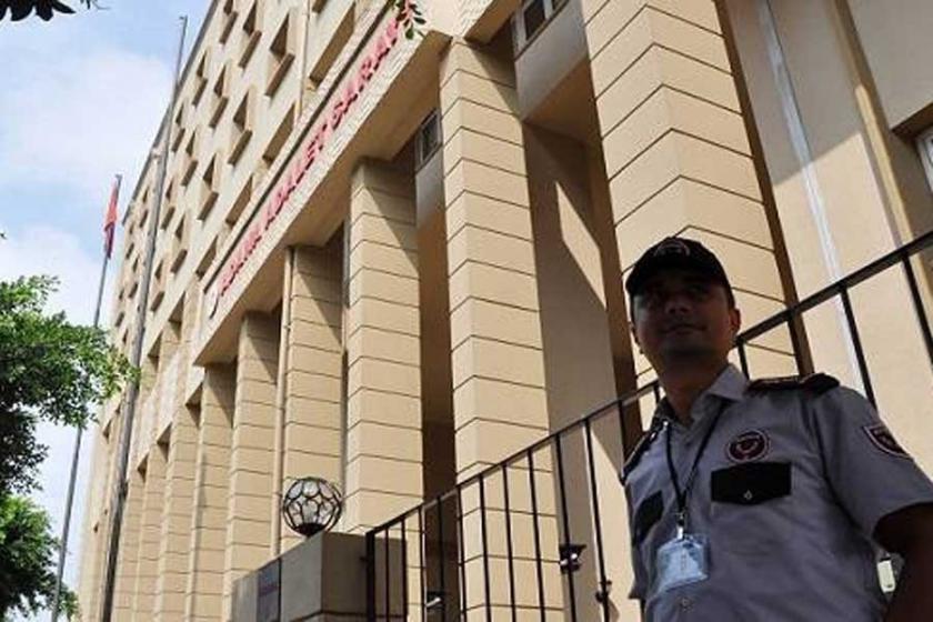 Adana'da adliye binasında atlayan kişi yaşamını yitirdi