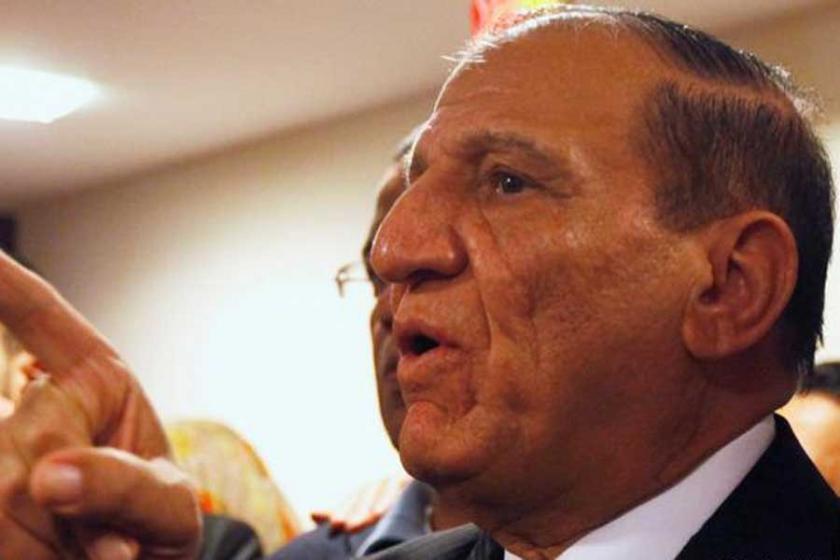 Mısır'da Sisi'nin en büyük rakibi gözaltına alındı