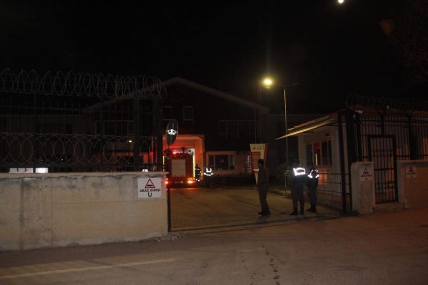 Edirne'de yaklaşık 400 mültecinin kaldığı binada yangın