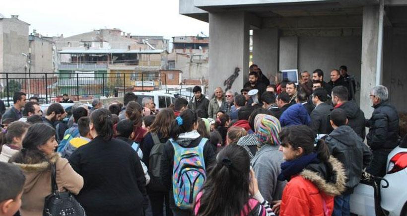 Buca'da öğrenci ve velilerin mücadelesi sonuç verdi