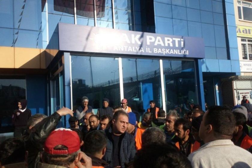 Antalya'da 5 kilometrelik 'kadro' yürüyüşü
