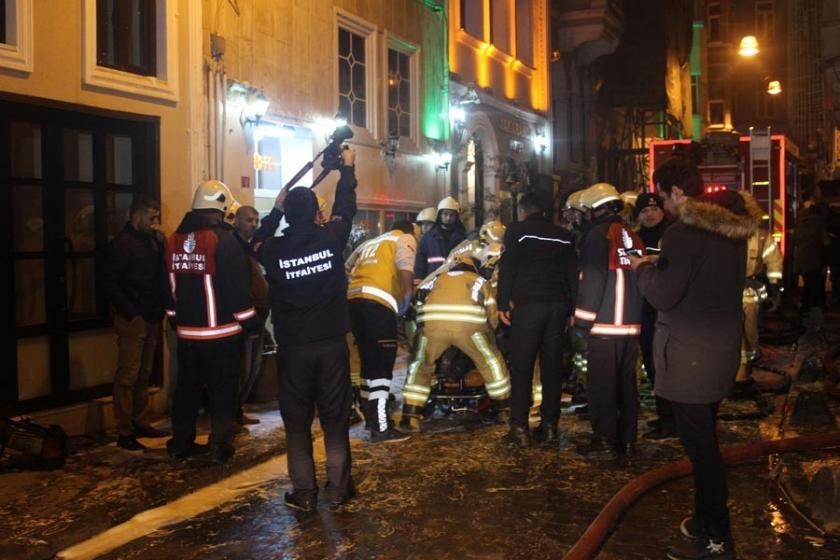 Beyoğlu'da otel yangını: 3'ü ağır, 6 yaralı