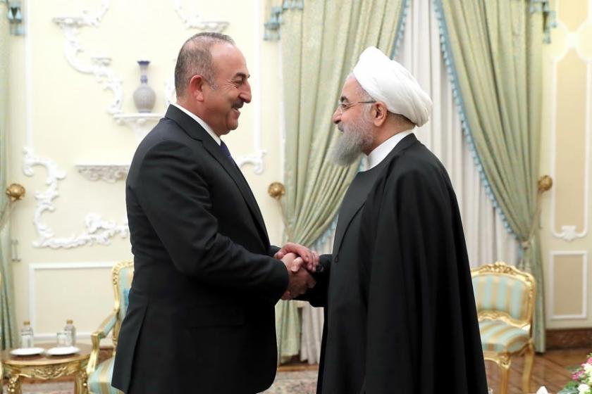 Çavuşoğlu, İran Cumhurbaşkanı Ruhani ile görüştü