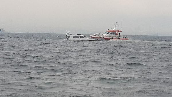 Marmara Denizi'nde tekne battı, 2 kişi kurtarıldı
