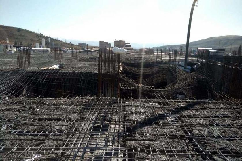 Elazığ'da plaza inşaatında çökme: 3 işçi yaralı