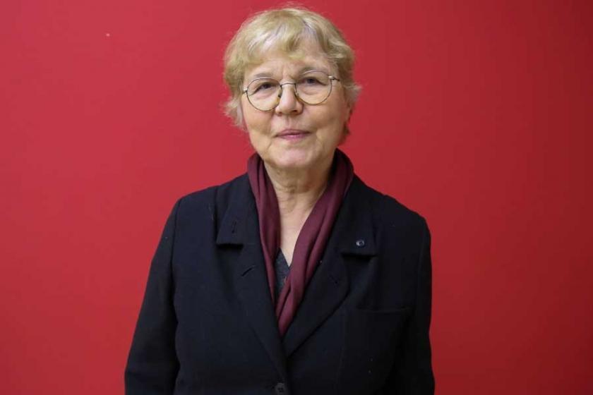 Alpay: Dil ve kültür üzerindeki baskı topluma hayır getirmez