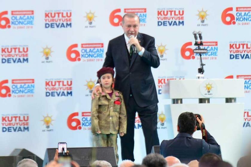 Erdoğan: Şehit olursa bayrağı da inşallah örtecekler