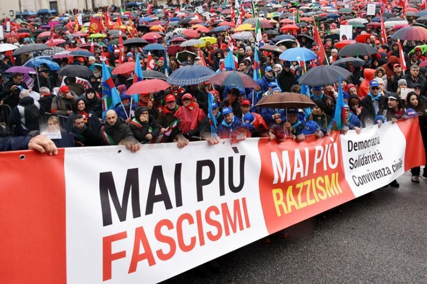 İtalya'da on binler ırkçılığa karşı yürüdü: Bir daha asla