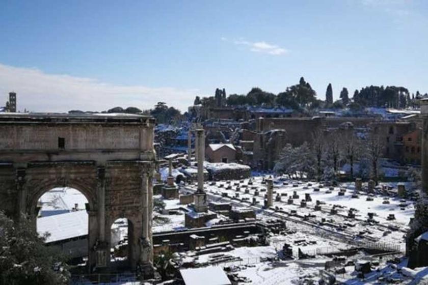 Roma'ya 6 yıl sonra ilk kar yağdı