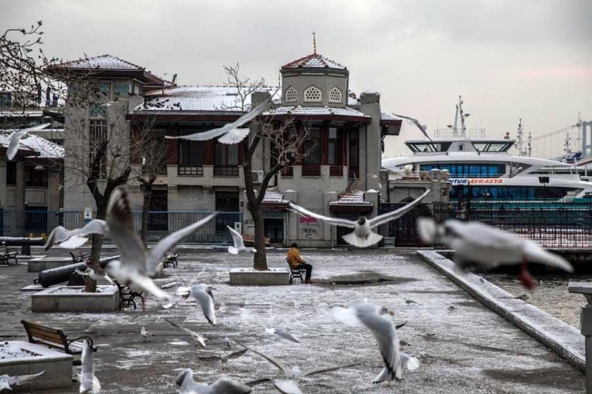 İstanbul beyaz örtü ile uyandı