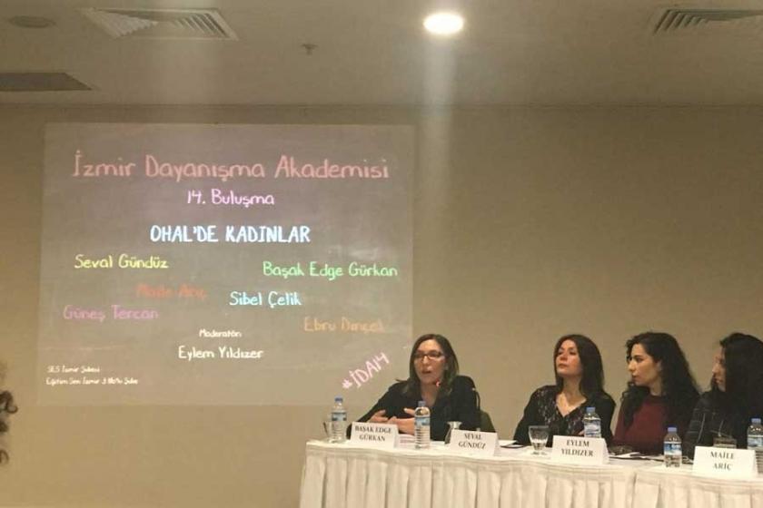 İzmir Dayanışma Akademisi 'OHAL'de Kadınlar'ı konuştu